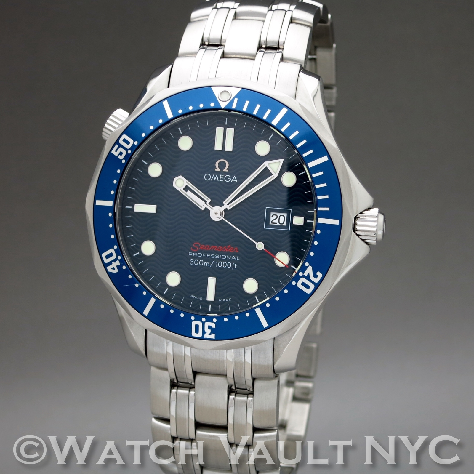 Omega seamaster professional james bond 300m 41mm quartz for Omega seamaster professional