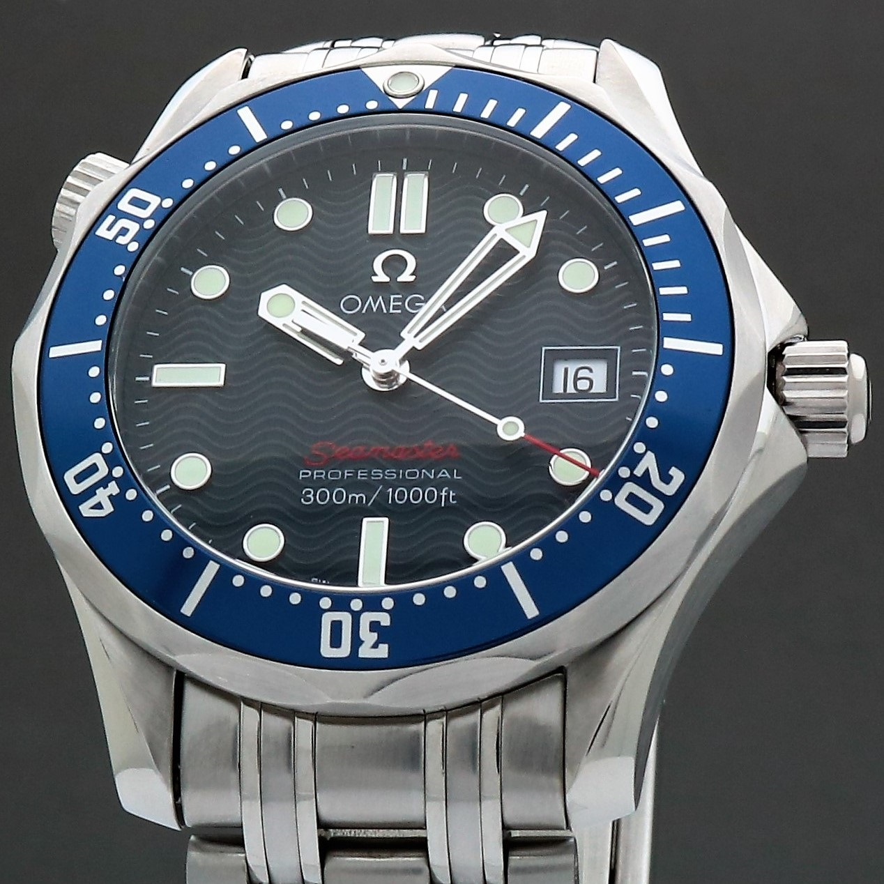 Omega Seamaster Professional 300M 2223.80 James Bond 36mm Quartz