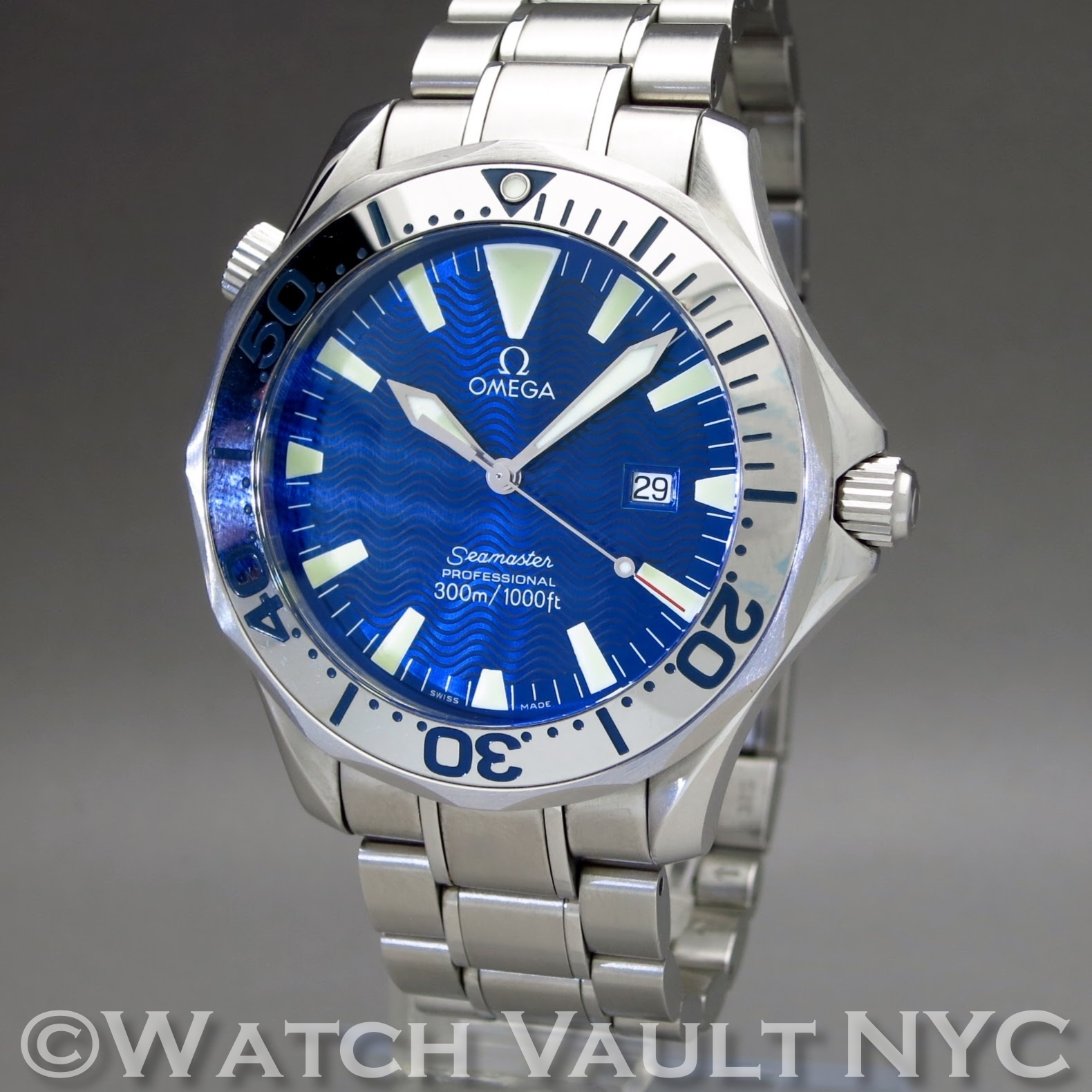 Omega seamaster professional electric blue 300m 41mm quartz for Omega seamaster professional